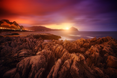 자연 보호 구역 Monte Cofano의 멋진 전망. 위치 장소 케이프 산 비토, 시칠리아 섬, 이탈리아, 유럽. 스톡 콘텐츠 - 95301971