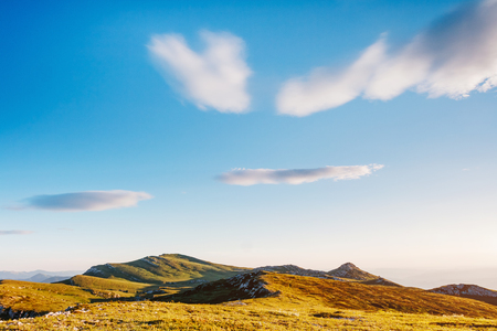 A look at the captivating scene of the alpine valley. Picturesque day. Location place Crimea, Ukraine, Europe. Wonderful image of wallpaper. Excellent outdoor vacation. Explore the world's beauty. Фото со стока - 101341691