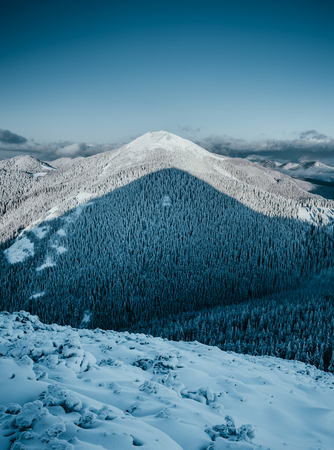 Perfect moment in alpine highlands. Frosty day on ski resort. Location Carpathian national park, Ukraine Europe. Scenic image of hiking concept. Best holiday wallpapers. Discover the beauty of earth. 스톡 콘텐츠