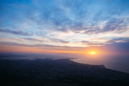 Top view above the city in twilight. Dramatic and picturesque scene. Location place Trapani town, Erice, Sicilia, Italy, Europe. Mediterranean and Tyrrhenian sea. Discover the world of beauty. Zdjęcie Seryjne