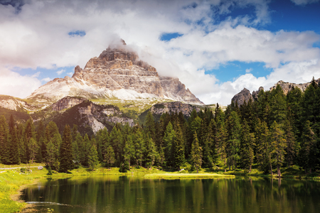 Stunning image of the Antorno lake in National Park Tre Cime di Lavaredo. Picturesque day and gorgeous picture. Location Auronzo, Misurina, Dolomiti alps, South Tyrol, Italy, Europe. Beauty world. Stok Fotoğraf - 120347517