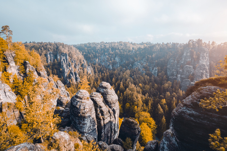 Scenic image of Elbe Sandstone Mountains. Location Saxony Switzerland national park, East Germany, Europe. Popular tourist attraction. Hiking concept. Adventure vacation. Discover the beauty of earth Imagens