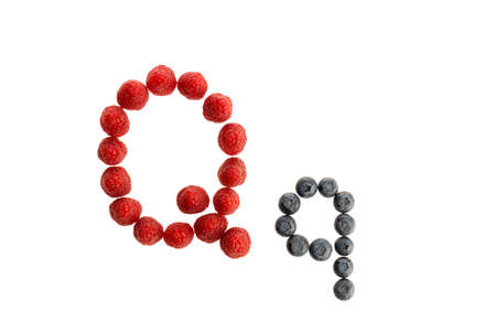 Alphabet Q from fresh fruit, raspberry and blackberry, isolated on a white background Imagens