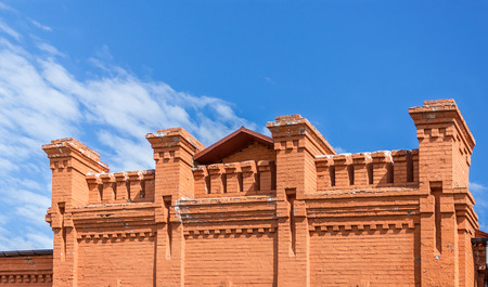 parapet wall: Pattern brick bond of of the parapet
