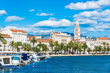 スプリット、クロアチア、ダルマチアのパノラマ風景。 写真素材
