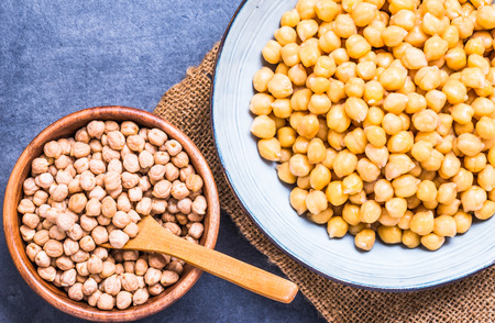 Chickpea bowls with dry and cooked legumes. Stok Fotoğraf