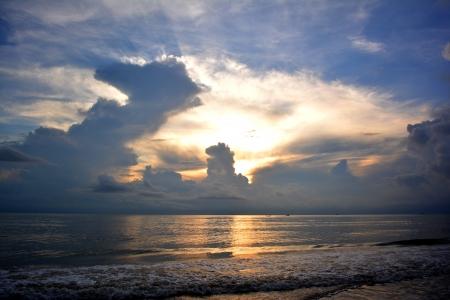 Beautiful sunrise over ocean Zdjęcie Seryjne