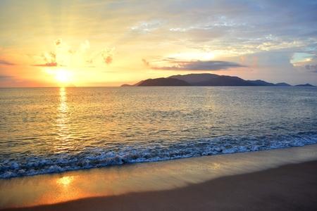 Beautiful sunrise over Nha Trang Bay, Vietnam Zdjęcie Seryjne
