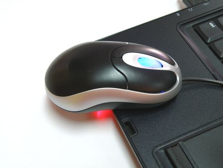 usb2: optical mouse on laptop