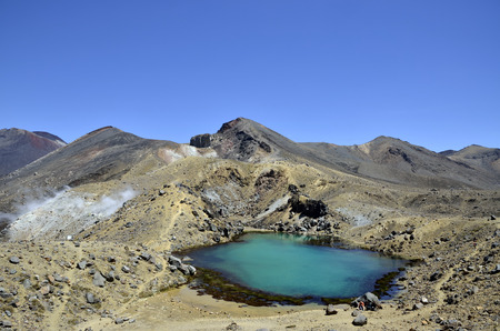 tongariro: Lago Esmeralda Baja en el Parque Nacional de Tongariro, Nueva Zelanda