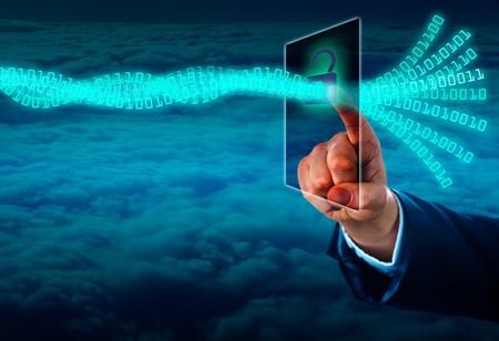 privacidad: Mano de un gestor de desbloqueo de un flujo de datos virtual a través de una pantalla táctil en el ciberespacio. Concepto para el acceso a datos autenticado o la delincuencia cibernética. Copie el espacio sobre el frente de nubes cerrado disparado desde lo alto. Foto de archivo