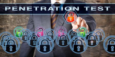 penetracion: probador de software corporativo empujando prueba de penetración en una pantalla interactiva. concepto de seguridad de la información para el proceso de resolución de problemas para las vulnerabilidades potenciales, los riesgos y los ataques cibernéticos.