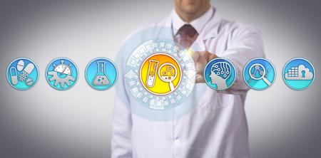 Un científico industrial irreconocible está iniciando el proceso de descubrimiento de fármacos a través de la interfaz de pantalla táctil. Concepto de industria farmacéutica para investigación y desarrollo ayudado por inteligencia artificial.