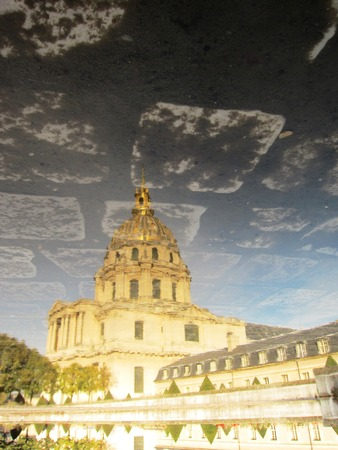 mirror image: Mirror image of The Dome of Les Invalides