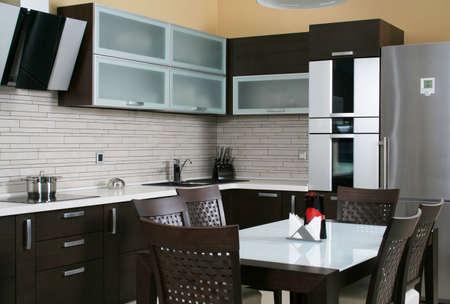 Moderne keuken itnerior geschoten met studio licht