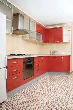 Oranje keuken interieur shot met studio licht Stockfoto