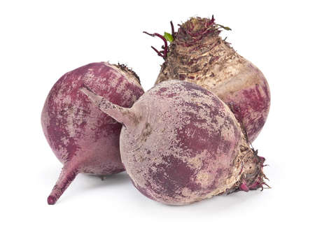 Ripe beet root vegetable isolated on white  Imagens