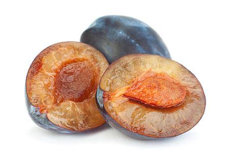 Blue plum fruit closeup isolated on white Stockfoto
