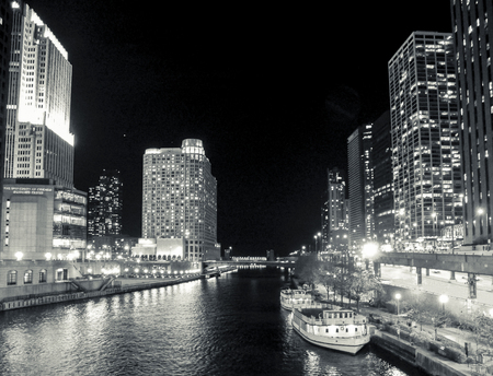 illinois river: The chicago river at night on a november night in 2012.