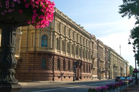 Antigua calle en el centro de San Petersburgo, Rusia