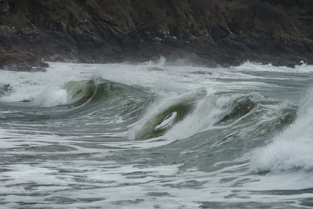 unchained: Waves and movement of the ocean