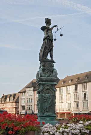 justitia: Justitia sculpture on the Roemerberg square in the morning, Frankfurt, Germany