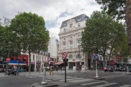 streetscene: streetscene in front of the theater de la Renaissance in Paris