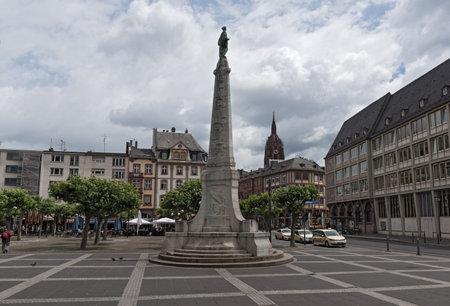 st pauls: Paulsplatz and Unity Monument in Frankfurt, Germany