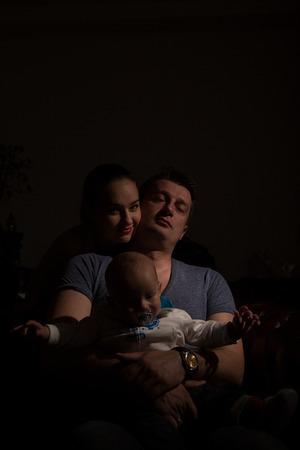 nursling: Parents with their newborn child.