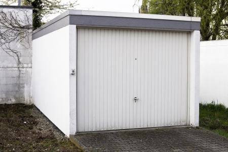 garage: Detached garage