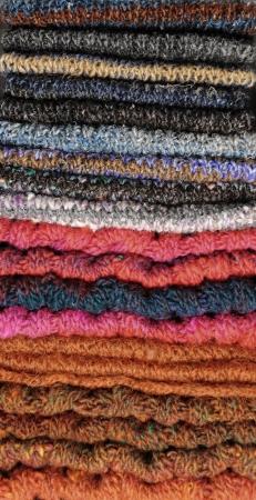 Pile De �charpes tricot�es