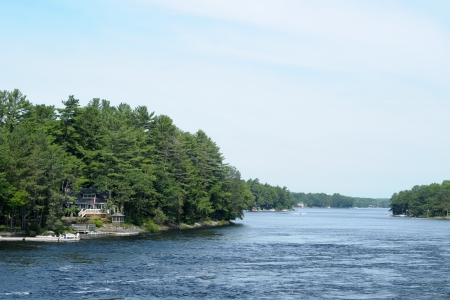 muskoka: Moon River with cottages