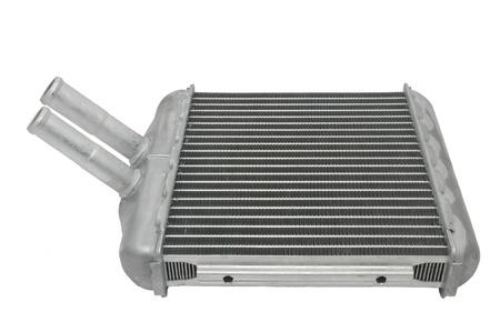 radiador: radiador del coche nuevo sobre un fondo blanco Foto de archivo