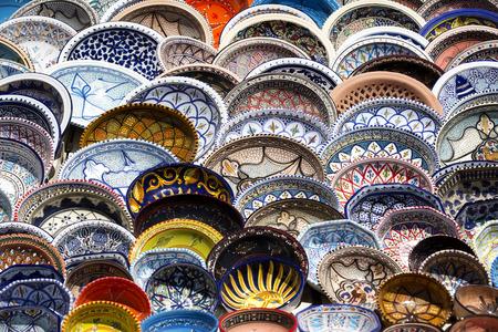 ilustraciones africanas: cerámica tunecinos tradicionales