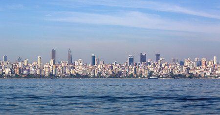 istanbul beach: ISTANBUL, TURKEY - MAY 14, 2015: Panorama of view from the Golden Horn on the duct slopes City