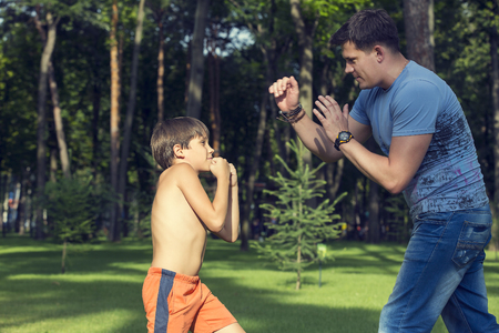 boxing boy: Boy and dad on the nature of boxing