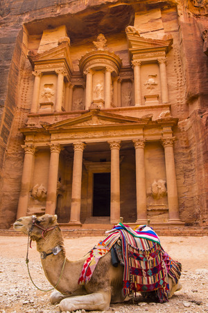 Ancient abandoned rock city of Petra in Jordan tourist attraction Stock fotó