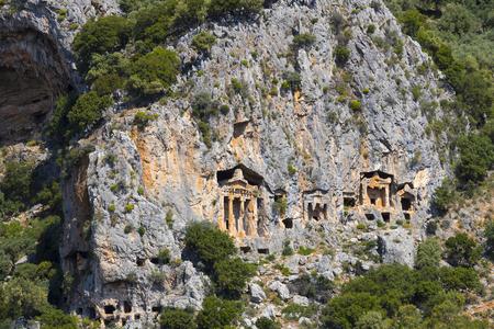 Antiguas tumbas antiguas de los reyes de Lycian en las montañas de Taurus Foto de archivo - 78225054
