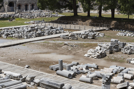 The ruins of the ancient antique city of Ephesus, the library of Celsus, the amphitheater temples and columns. Candidate for the UNESCO World Heritage List Archivio Fotografico
