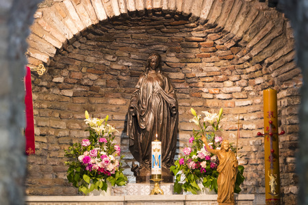 efeso: EPHESUS, TURKEY - 6 MAY, 2017: The House of the Mother of God in Turkey, from around the world by pilgrims with requests for help.