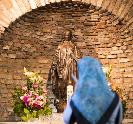 EPHESUS, TURCHIA - 6 MAGGIO 2017: La Casa della Madre di Dio in Turchia, da tutto il mondo da pellegrini con richieste di aiuto.
