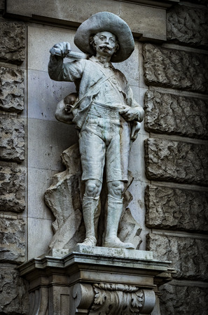 Statues adorning the facade of the Austrian National Library 版權商用圖片