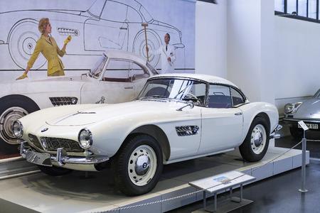 München, Duitsland - 26 November 2018: Collectie van historisch bekende Deutsches Museum Verkehrszentrum.