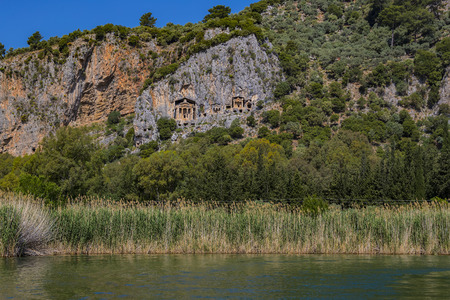 Ancient antique tombs of Lycian kings in the Taurus mountains Foto de archivo - 121064334