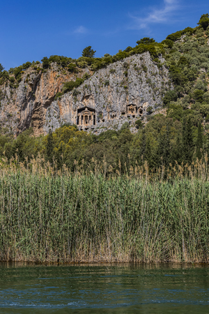 Ancient antique tombs of Lycian kings in the Taurus mountains Foto de archivo - 121072594