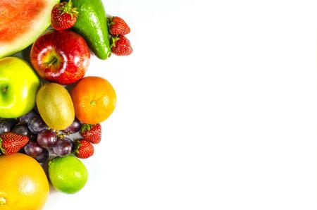 白い背景の上に新鮮な果物のフレーム 写真素材