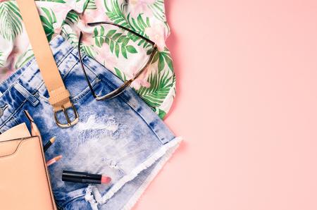 mode: Vrouw vrijetijdskleding Stockfoto