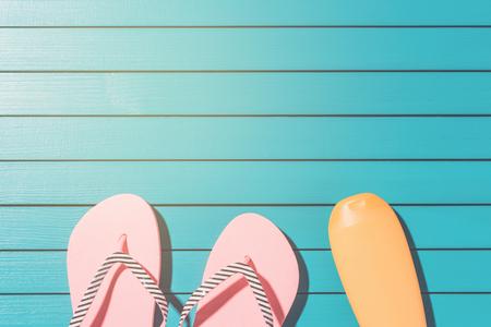 flip flops: Pink flip flops