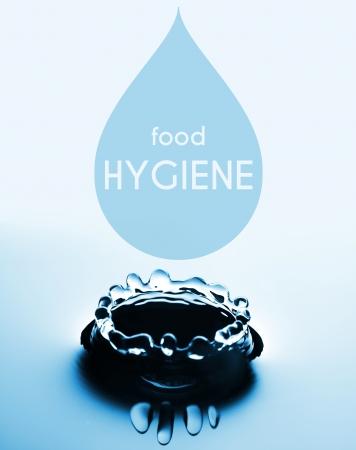 hygi�ne alimentaire: L'hygi�ne alimentaire concept cr�atif avec goutte d'eau et les �claboussures