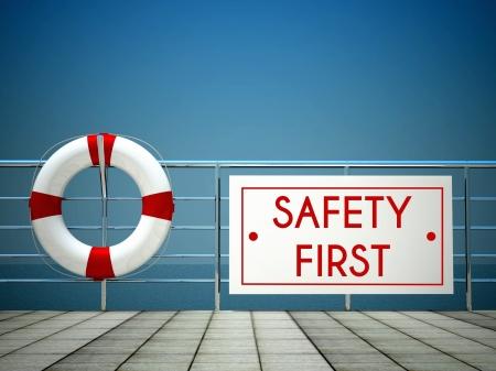 Bezpieczeństwo przede wszystkim znak, na basenie z koło ratunkowe Zdjęcie Seryjne